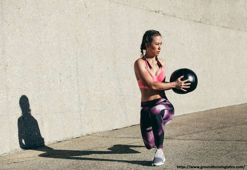 Medicine Ball Side Lunge exercise to lose thigh fat